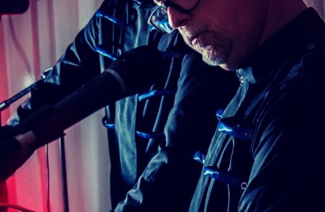 Camisas Neukleonen. Wearable luz interactiva por MIDI.